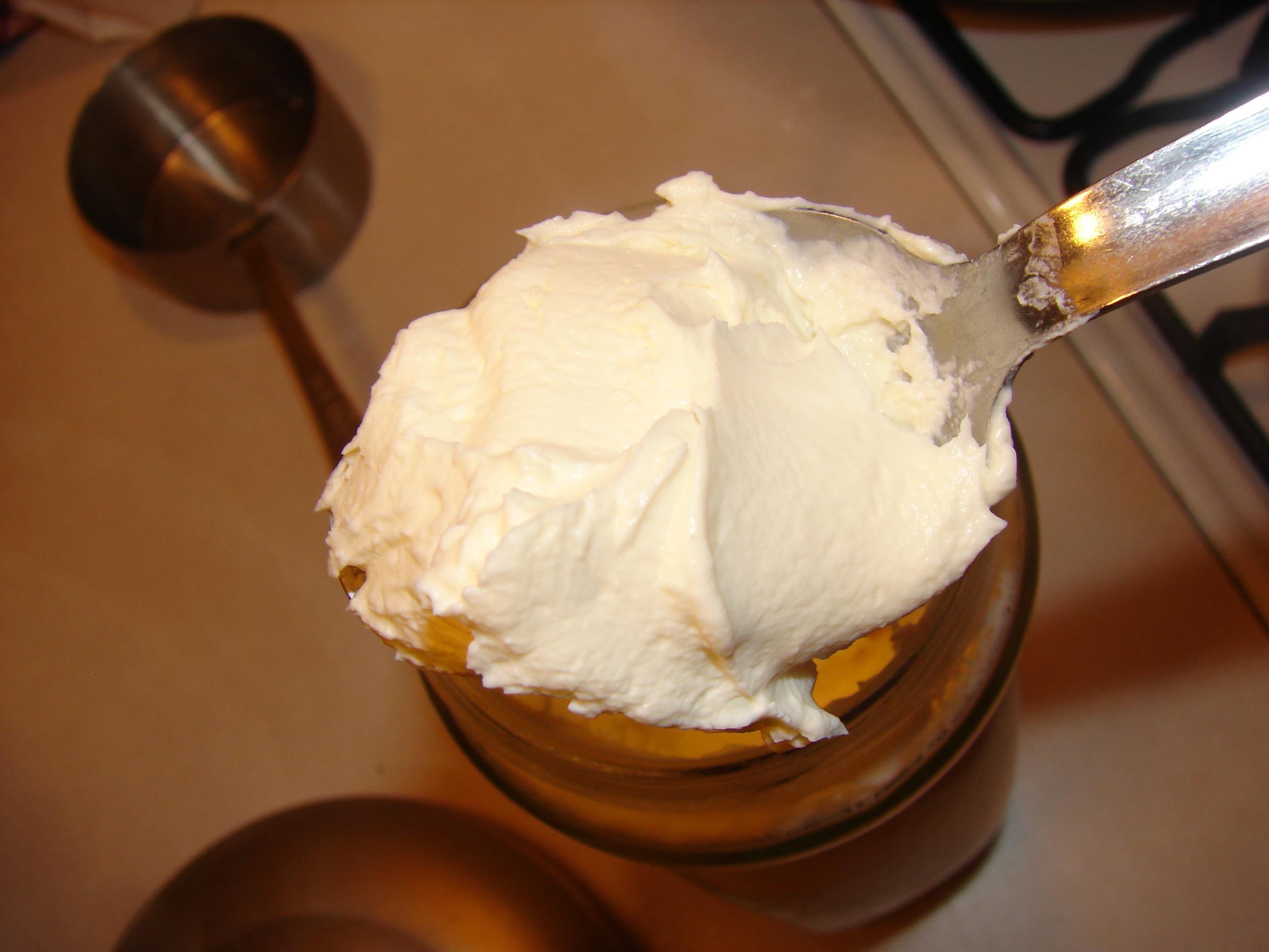 how to make creme fraiche thicker